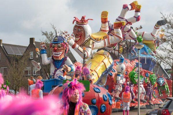 Carnavalsoptocht-2018-in-Albergen-Foto-RTV-Oost.jpg